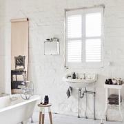 白色精美型卫生间设计
