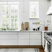 白色小户型厨房设计