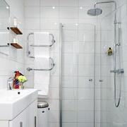 简约白色卫生间洗漱池设计