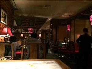 别具匠心:舒适放松绿茶餐厅装修效果图