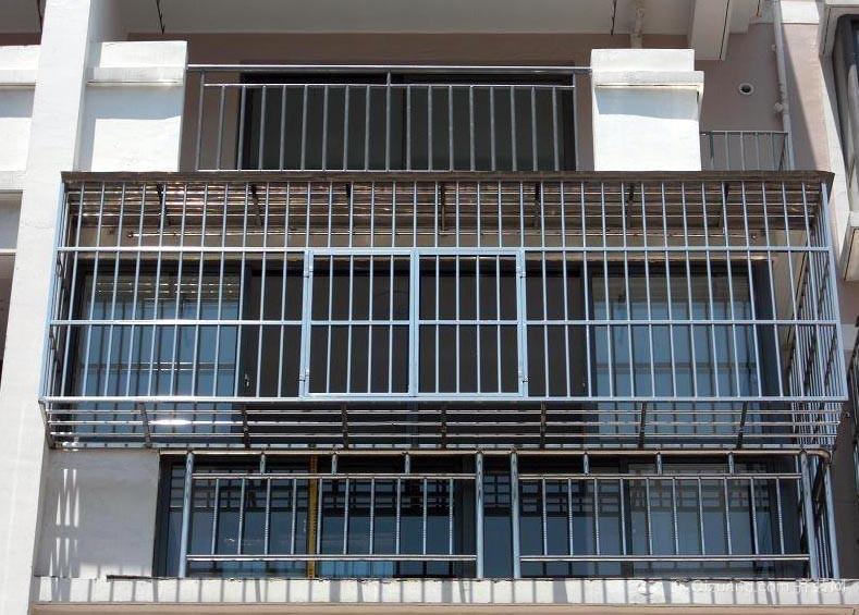 安全第一:新型不锈钢防盗窗装修效果图