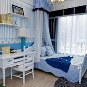 地中海风格卧室装修桌椅图
