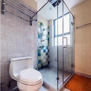 卫生间玻璃隔断装修图
