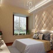 欧式浅色床头背景墙设计