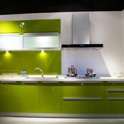 厨房不锈钢橱柜吊顶图