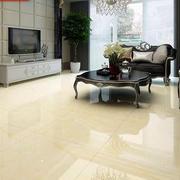 客厅光滑锃亮的瓷砖地板
