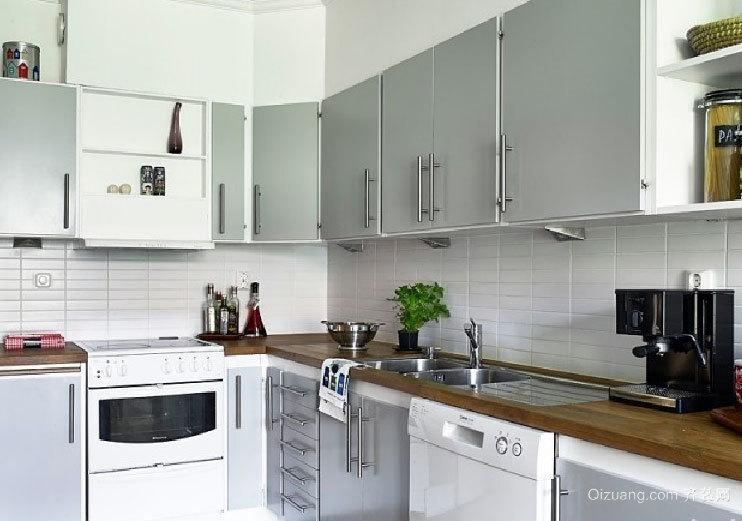 现代豪华大户型厨房不锈钢橱柜装修效果图