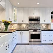 别墅白色厨房橱柜