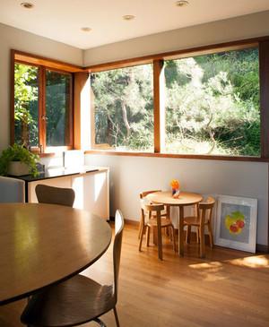 房屋客厅窗户装修