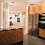 厨房不锈钢橱柜灯光设计