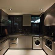 精致的厨房不锈钢橱柜效果图