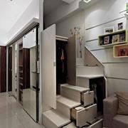 90平米房屋楼梯装修