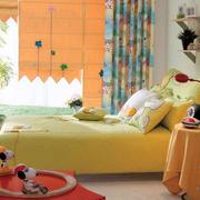 儿童房背景墙装修床铺设计