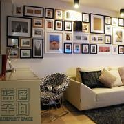 客厅照片墙灯饰