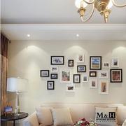 家装客厅夺目照片墙