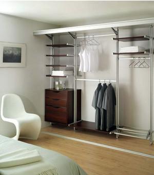 极其简约的卧室衣柜