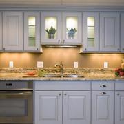 厨房白色橱柜设计图片