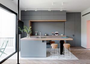 阁楼经典小餐桌设计