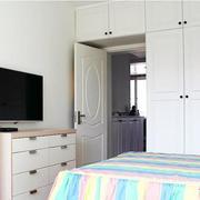 小家庭卧室衣柜