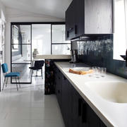 阁楼简约式卫生间洗手池设计