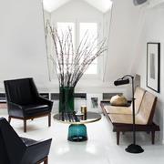 阁楼白色高端典雅式沙发设计