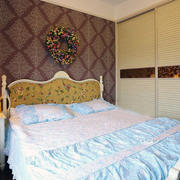小户型田园式淡雅卧室设计