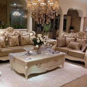欧式风格的奢华沙发
