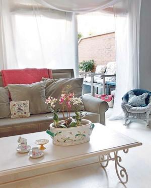 白色田园风公寓客厅设计