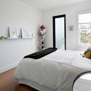 两室一厅简约原木地板设计