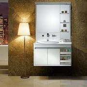 欧式简约带有灯饰浴室柜装修
