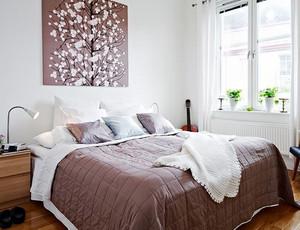 两室一厅欧式简约风格卧室实木地板装修
