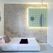 阁楼白色典雅型卧室设计