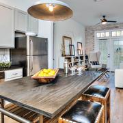欧式木质餐桌设计之60平米户型