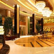 酒店大厅精致吊灯