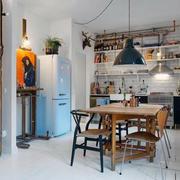 50平米户型之餐厅小木桌展示