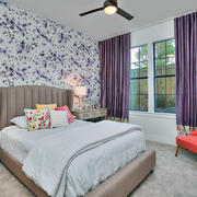 60平米简约欧式卧室紫色窗帘