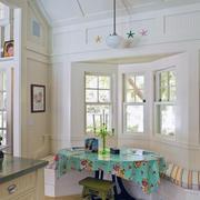 客厅飘窗装修色调搭配