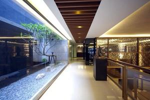 酒店走廊实木吊顶
