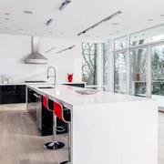 40平米欧式红白混搭色之厨房设计