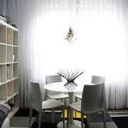 白色调餐厅设计图片