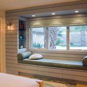 舒适温暖的卧室飘窗