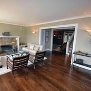 客厅实木地板装修色调搭配