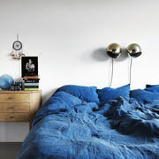 公寓蓝色卧室床铺设计