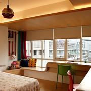 精巧的卧室飘窗造型