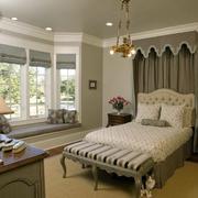 贵族气质的卧室飘窗