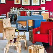公寓客厅红色沙发