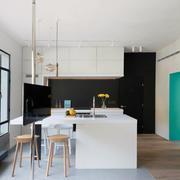 公寓内白色淡雅型客厅设计