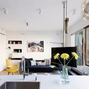 公寓客厅玻璃门窗设计