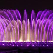 想花一样绽放的喷泉