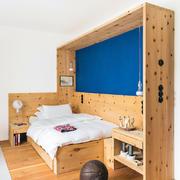 别墅小实木型餐桌设计